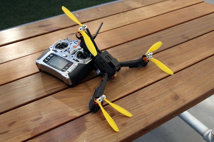 pocket drone con go pro
